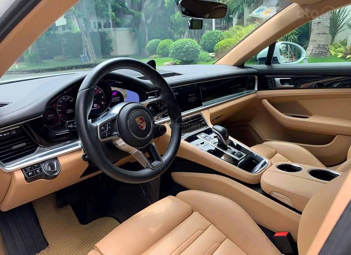 Bán Porsche Panamera năm sản xuất 2017, màu trắng, xe nhập (2)