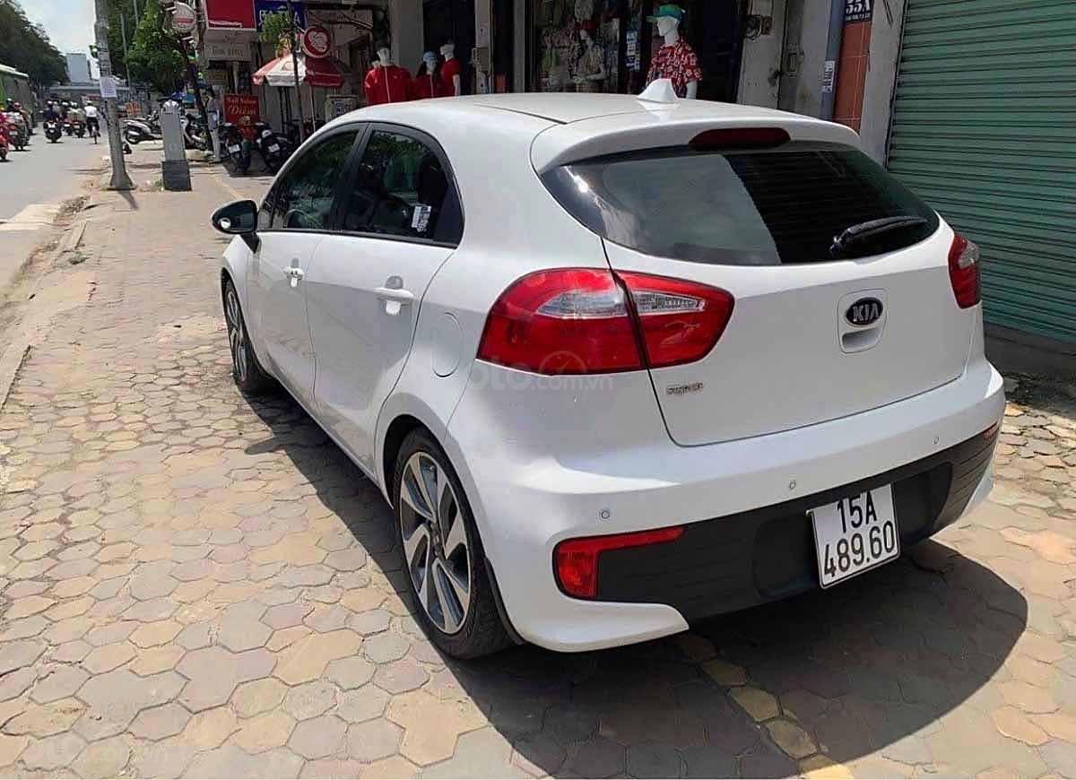 Bán ô tô Kia Rio đời 2015, màu trắng, nhập khẩu nguyên chiếc   (4)