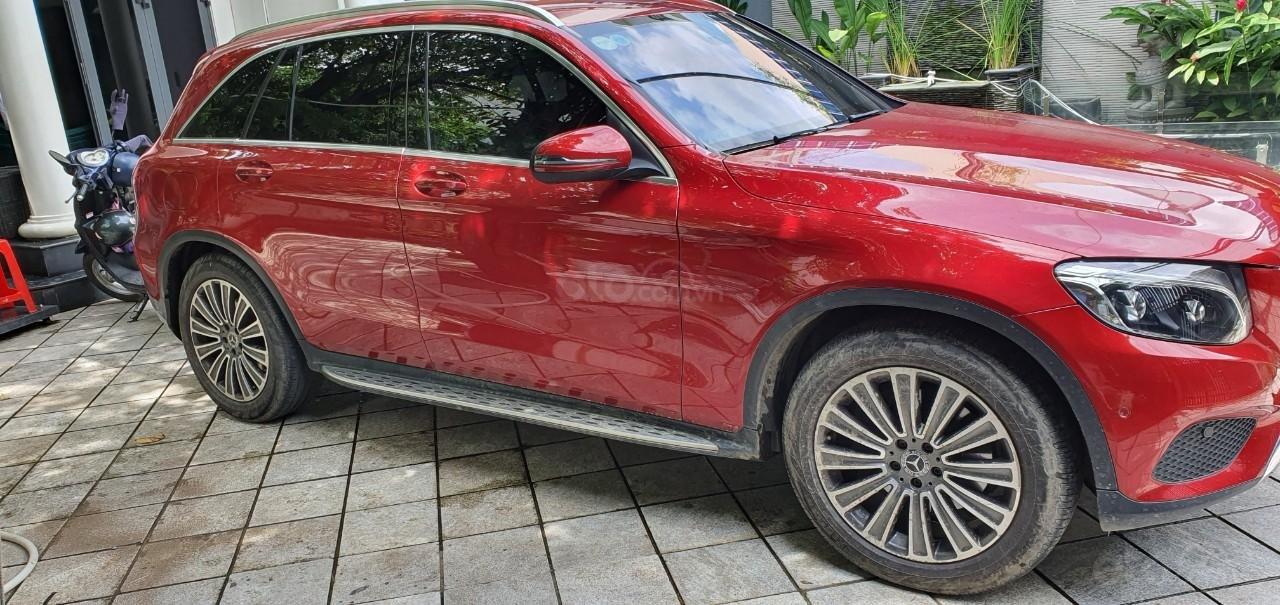 Cần bán Mercedes GLC 250 (2)