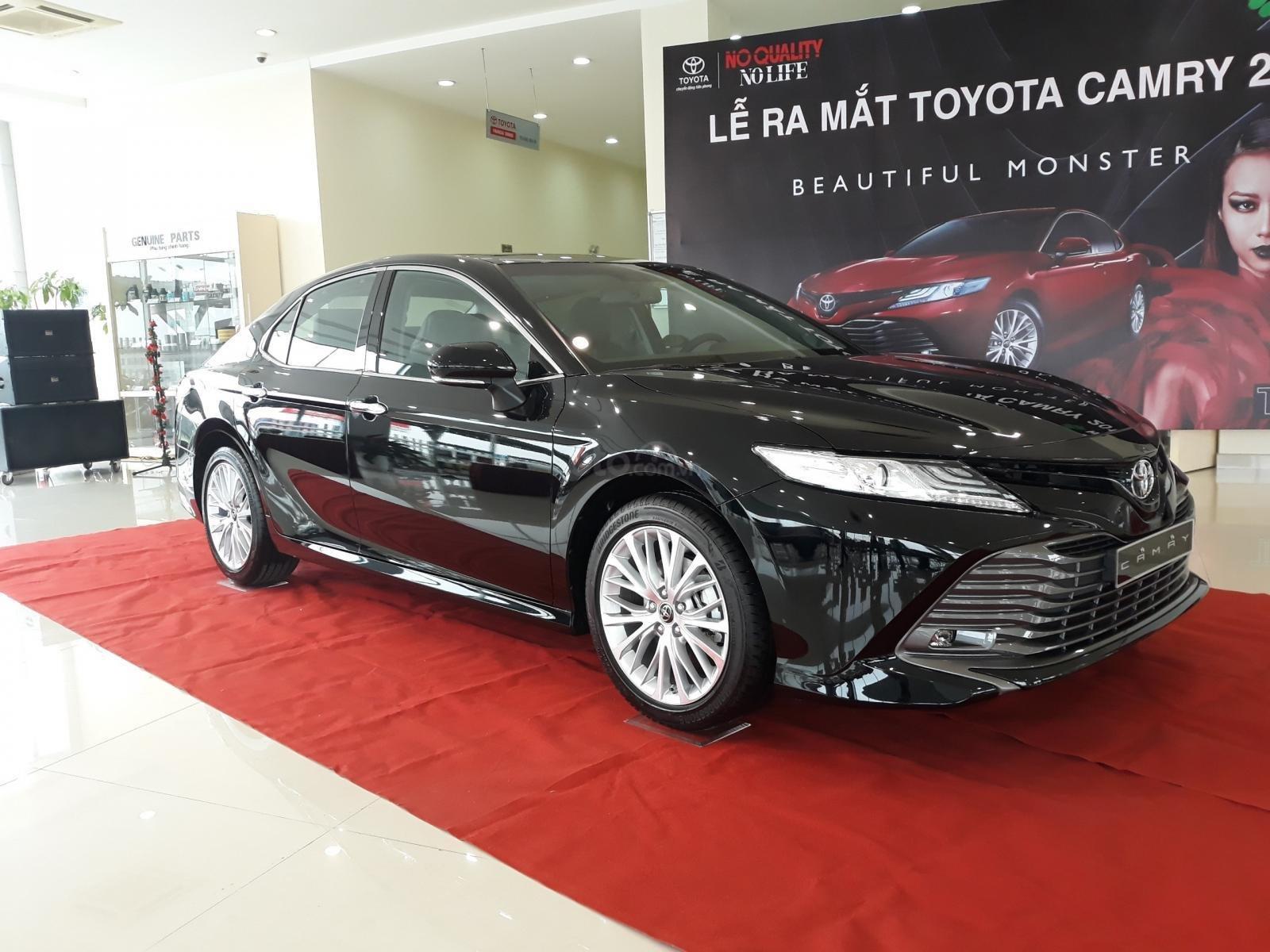 [Toyota Thanh Xuân] bán Toyota Camry nhập Mỹ, sản xuất 2020, mới 100%, xe full option, giao ngay tận tay khách (2)