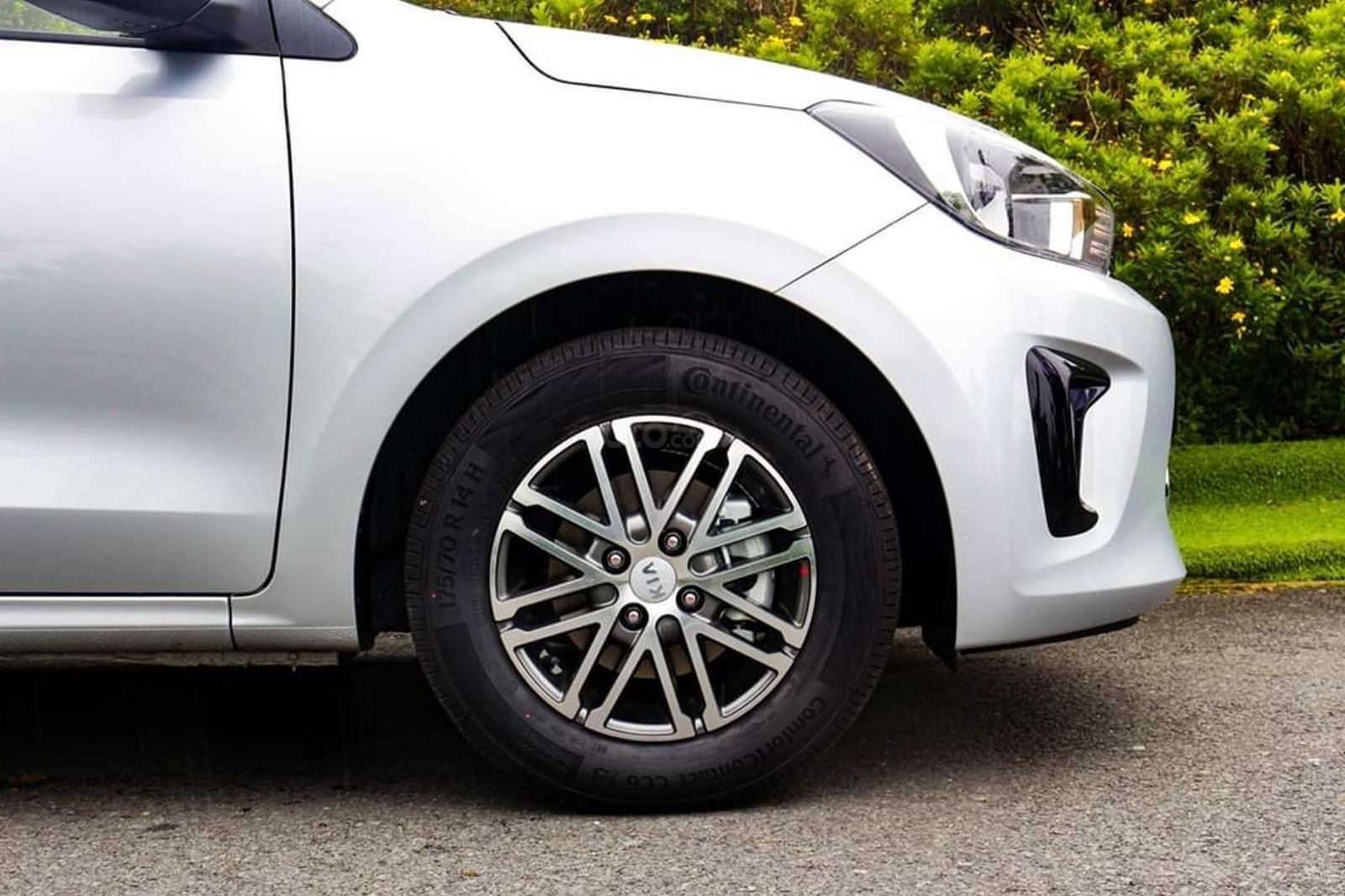 Kia Soluto 2020 - Ưu đãi tháng 10 giảm ngay 30 triệu. Giảm 50% thuế trước bạ, trả trước 100 triệu lấy xe về dùng (3)