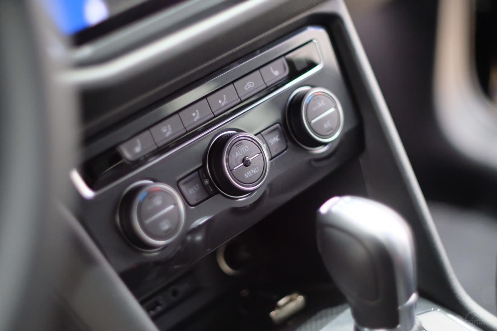 Volkswagen Tiguan Luxury 2020 giá khuyến mãi kịch sàn tại Bình Dương (9)