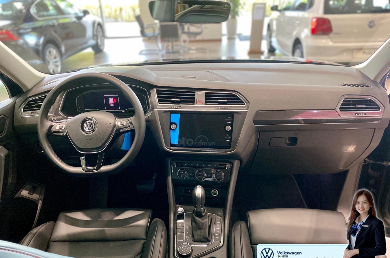 Volkswagen Tiguan Luxury màu xanh rêu số lượng ít - Xe Đức nhập khẩu nguyên chiếc - Giảm ngay 120 triệu (5)