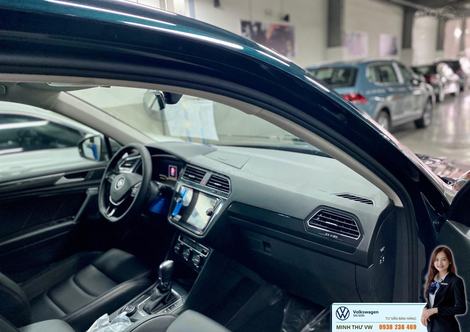 Volkswagen Tiguan Luxury màu xanh rêu số lượng ít - Xe Đức nhập khẩu nguyên chiếc - Giảm ngay 120 triệu (3)