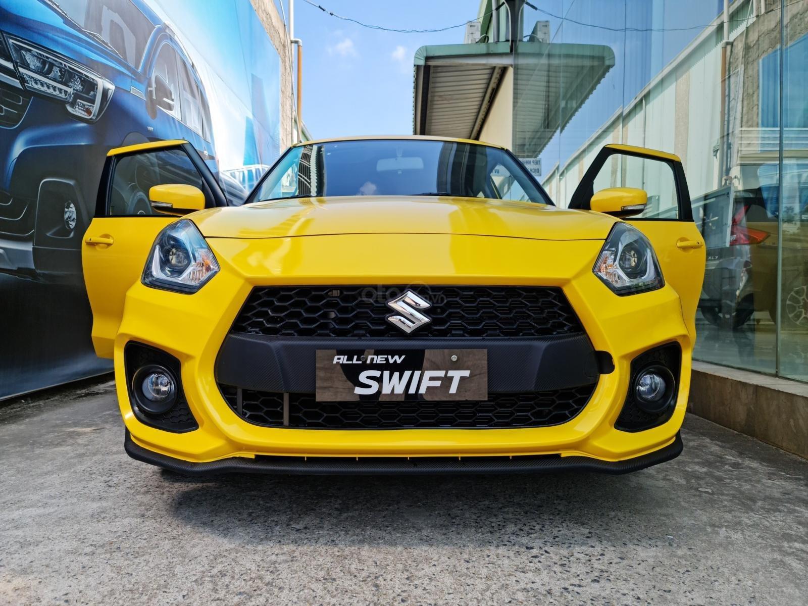 Bán xe hơi Suzuki Swift 1.2 CVT màu vàng nhập khẩu Thái Lan (1)