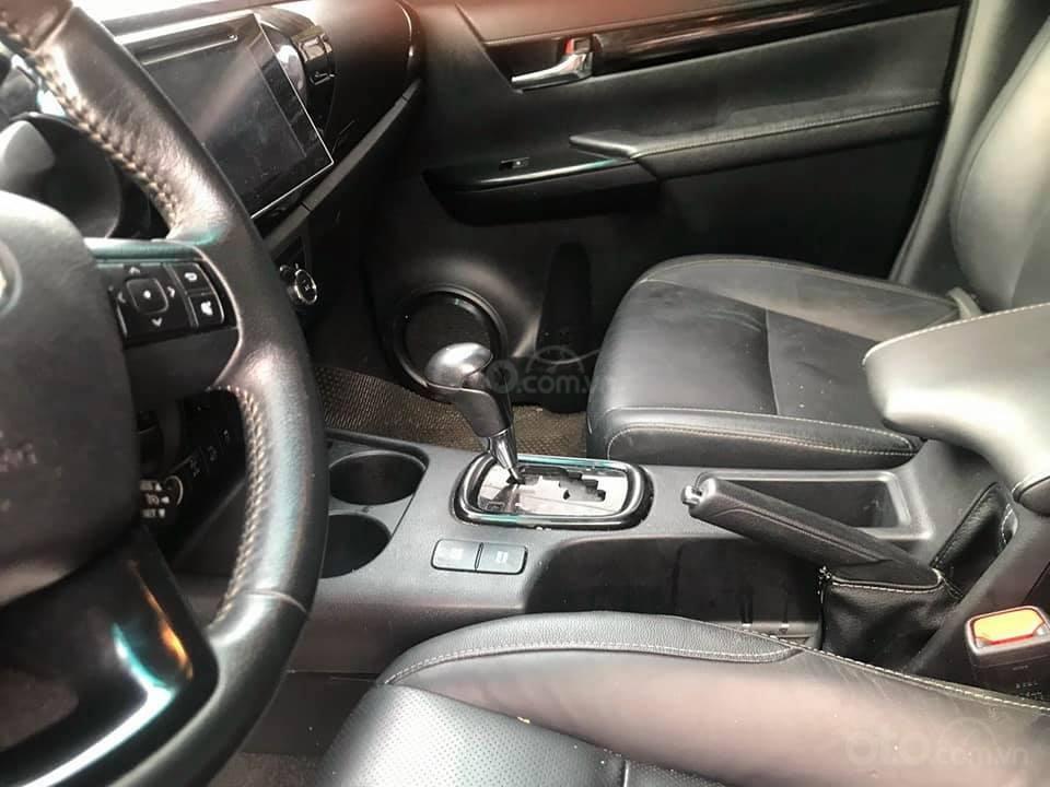 Bán xe Toyota Hilux 2.8L sản xuất 2018, 2 cầu máy dầu, số tự động  (2)
