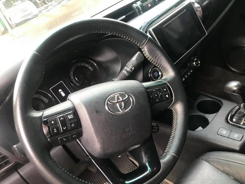 Bán xe Toyota Hilux 2.8L sản xuất 2018, 2 cầu máy dầu, số tự động  (4)