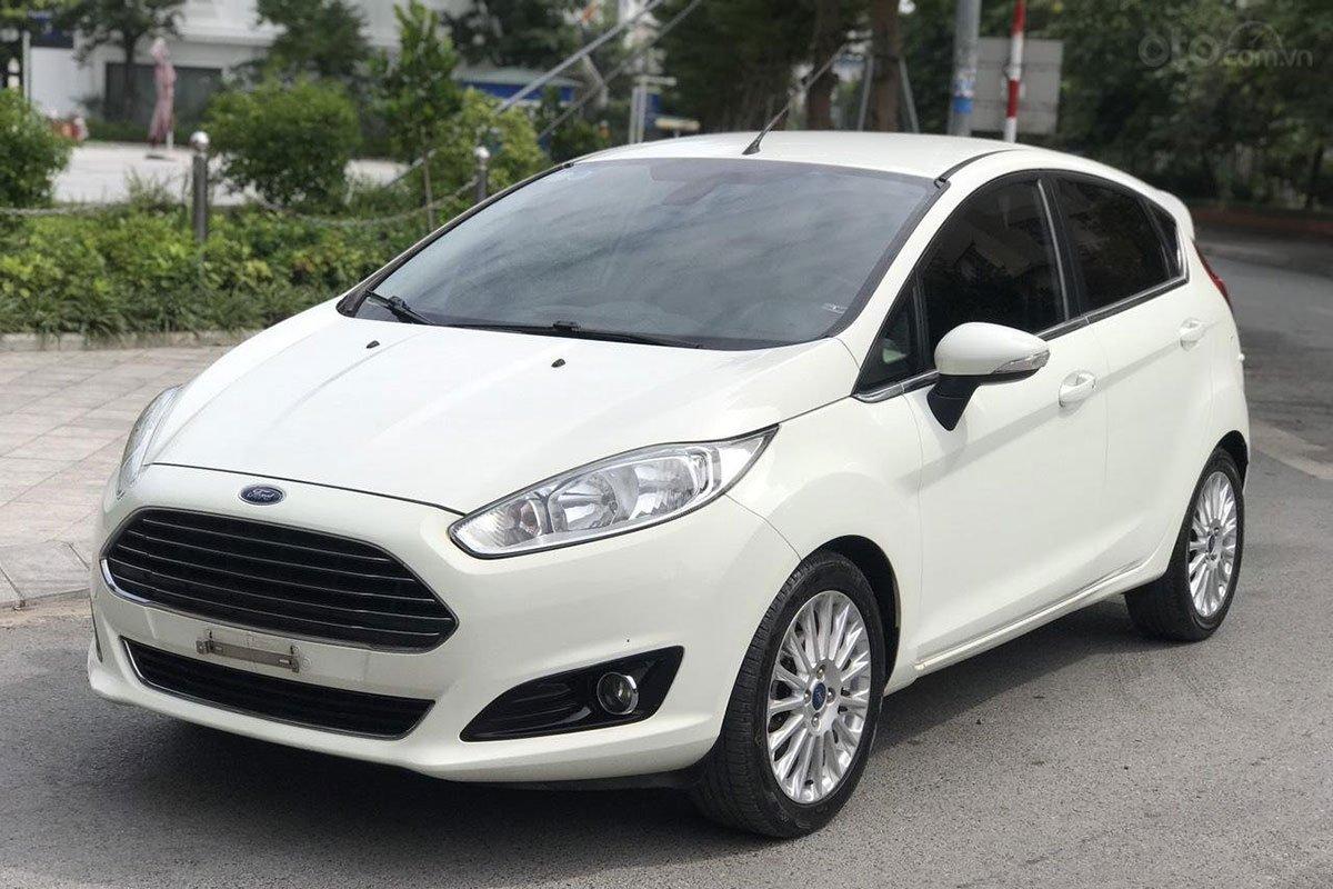 Ford Fiesta 2015 rao bán 369 triệu đồng 1