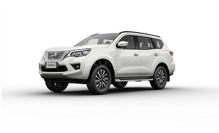 Bán xe Nissan Terra đời 2020, màu trắng, xe chính hãng (1)