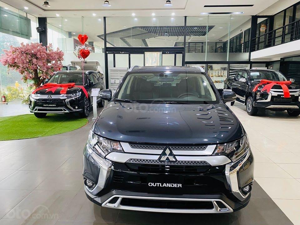Mitsubishi Outlander 2020 nhiều màu, giá tốt, giao ngay, hỗ trợ trả góp 85% giá trị xe (3)