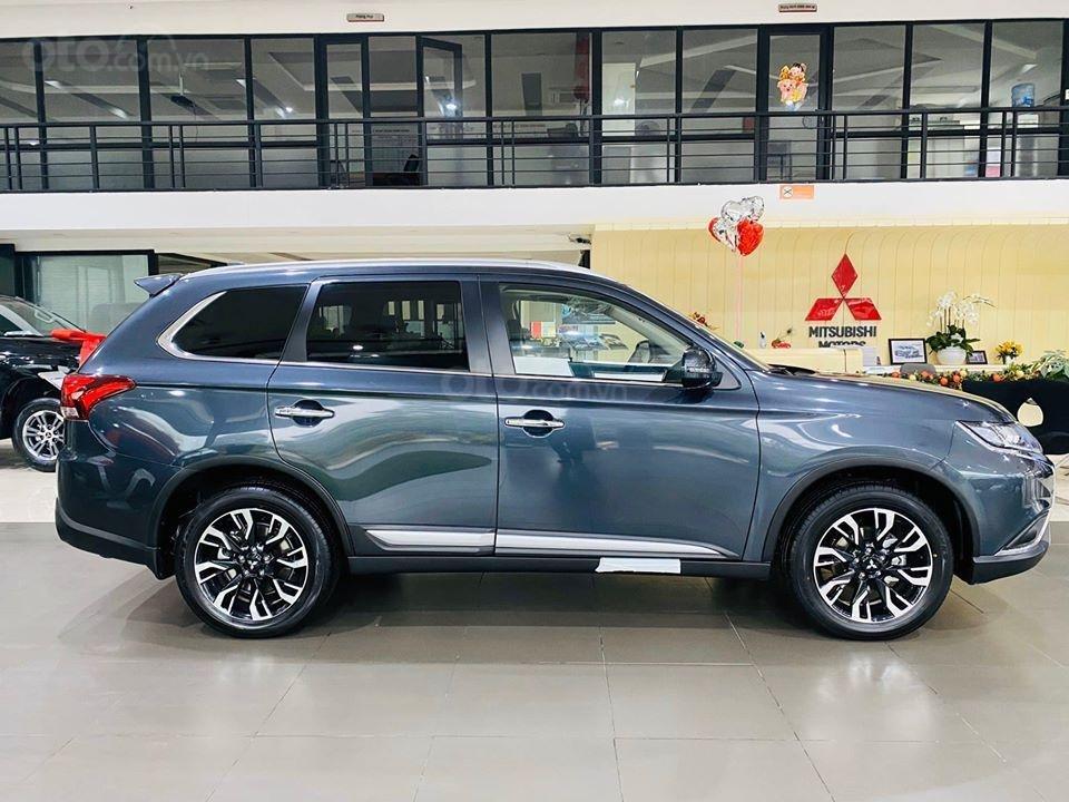 Mitsubishi Outlander 2020 nhiều màu, giá tốt, giao ngay, hỗ trợ trả góp 85% giá trị xe (2)