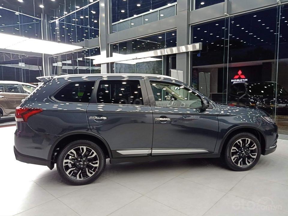 Mitsubishi Outlander 2020 nhiều màu, giá tốt, giao ngay, hỗ trợ trả góp 85% giá trị xe (5)