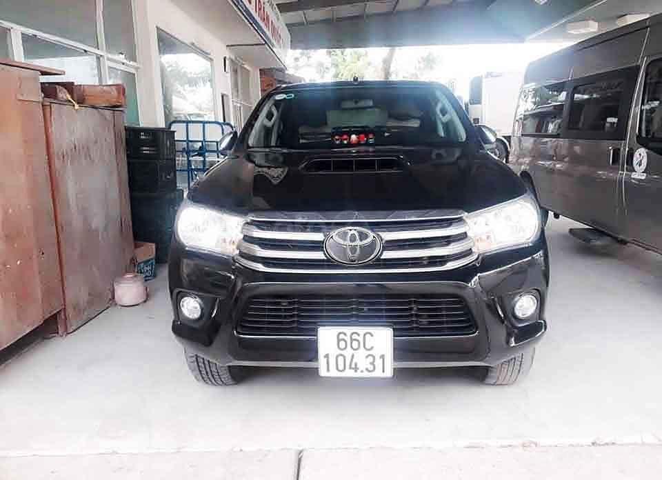 Bán ô tô Toyota Hilux MT 4x2 sản xuất năm 2016, màu đen, nhập khẩu, 485tr (3)