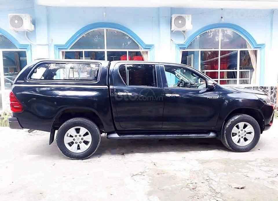 Bán ô tô Toyota Hilux MT 4x2 sản xuất năm 2016, màu đen, nhập khẩu, 485tr (1)