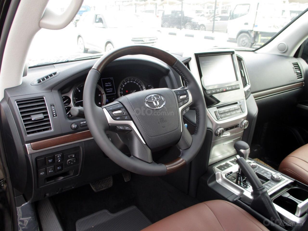 Bán Toyota Landcruiser 4.5V8 máy dầu Trung Đông 2021 mới (8)
