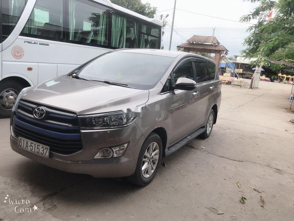Cần bán xe Toyota Innova năm 2018 còn mới (5)