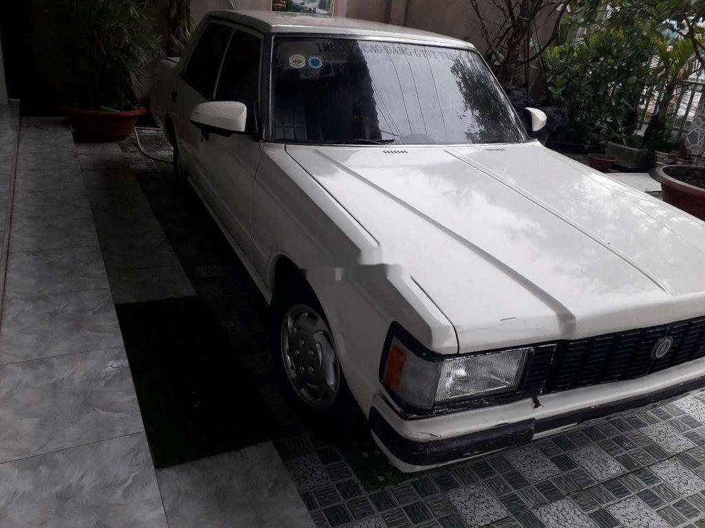 Bán Toyota Crown đời 1983, màu trắng, nhập khẩu nguyên chiếc (5)