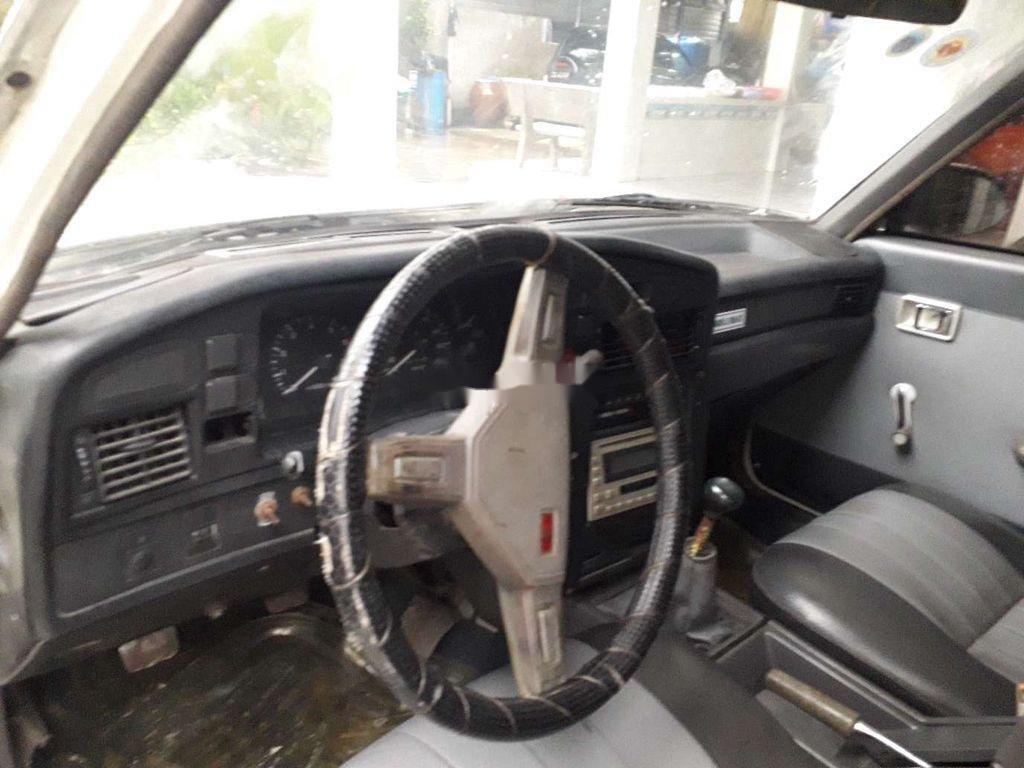Bán Toyota Crown đời 1983, màu trắng, nhập khẩu nguyên chiếc (6)
