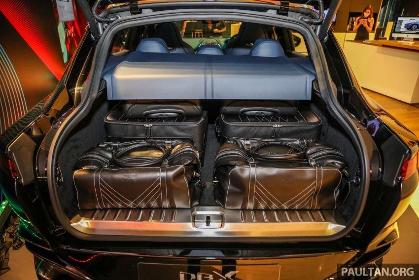 Aston Martin DBX cũng đảm bảo độ đa dụng tuyệt đối.