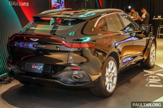 Aston Martin DBX sẵn sàng tham chiến phân khúc SUV siêu cấp.