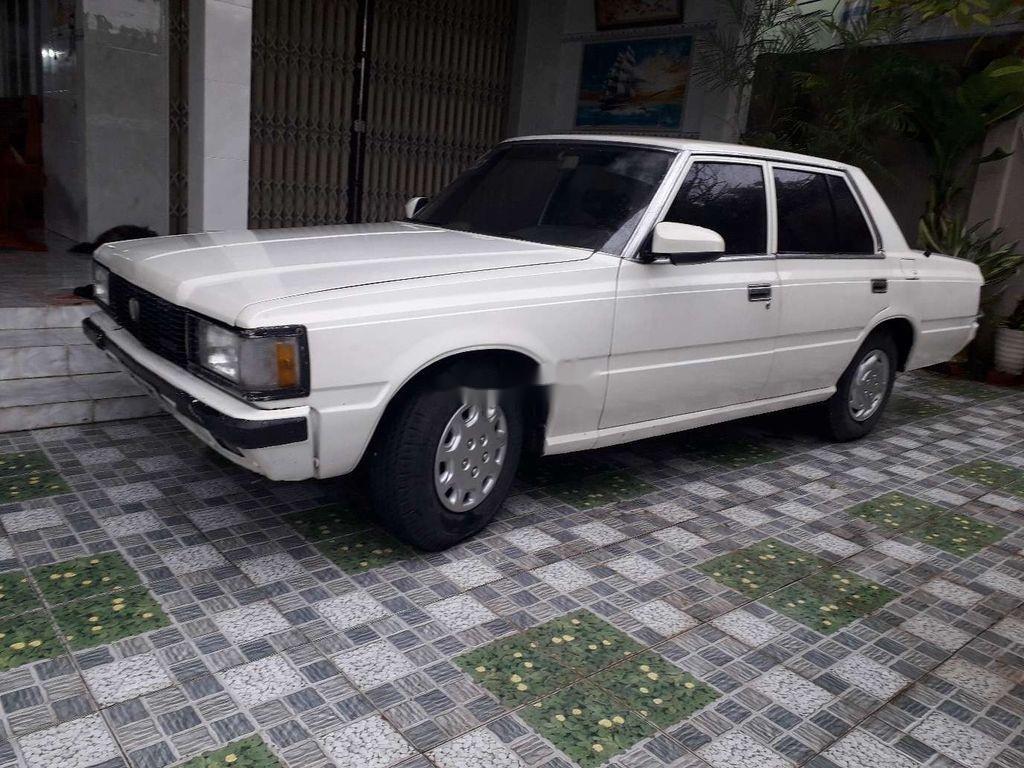 Bán Toyota Crown đời 1983, màu trắng, nhập khẩu nguyên chiếc (2)