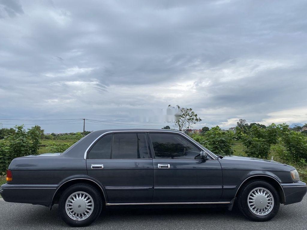 Bán Toyota Crown 3.0 AT sản xuất năm 1994, màu xám, nhập khẩu nguyên chiếc (2)
