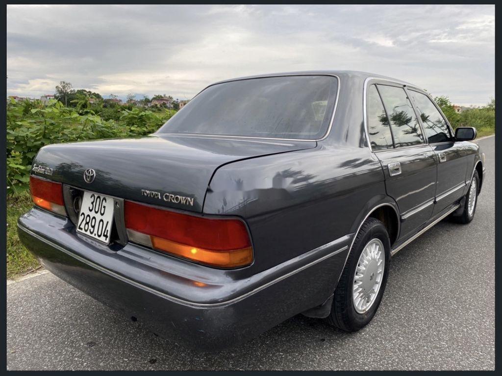 Bán Toyota Crown 3.0 AT sản xuất năm 1994, màu xám, nhập khẩu nguyên chiếc (4)