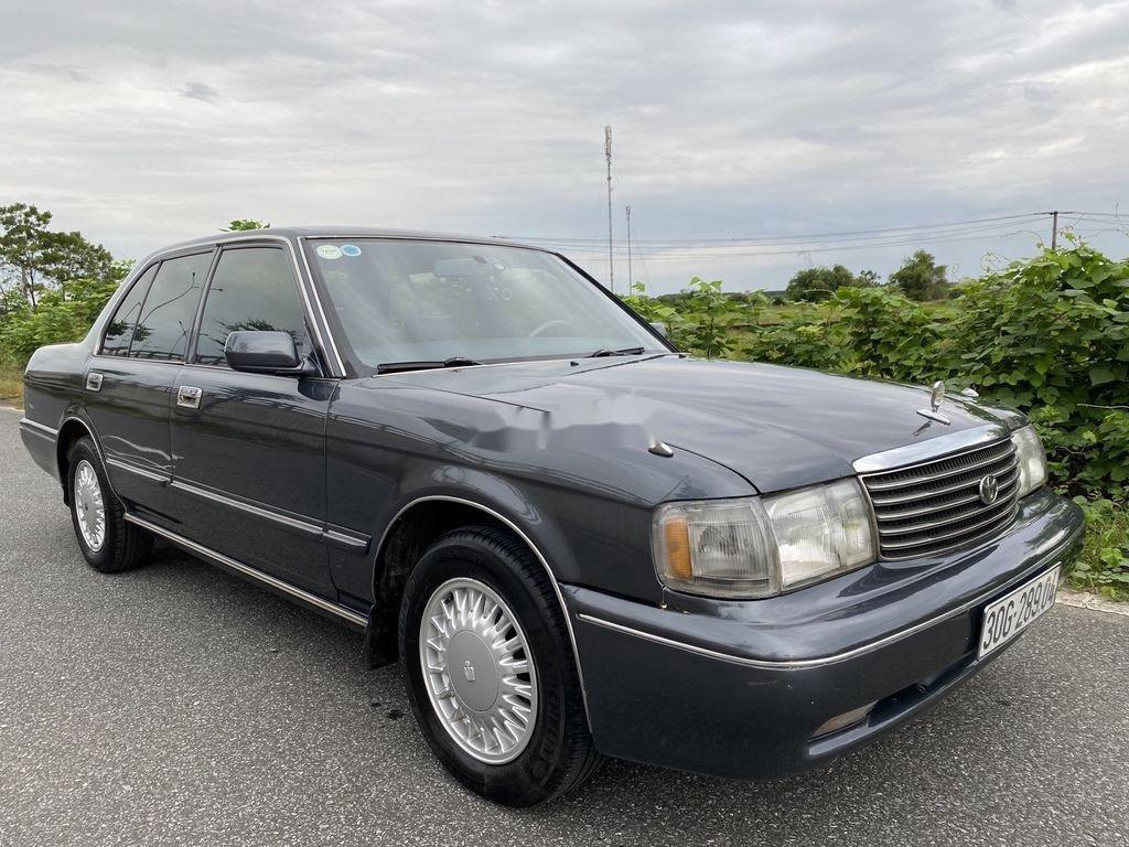 Bán Toyota Crown 3.0 AT sản xuất năm 1994, màu xám, nhập khẩu nguyên chiếc (1)