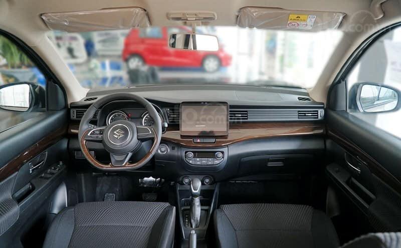 Bán xe Suzuki Ertiga đời 2020, màu bạc (2)