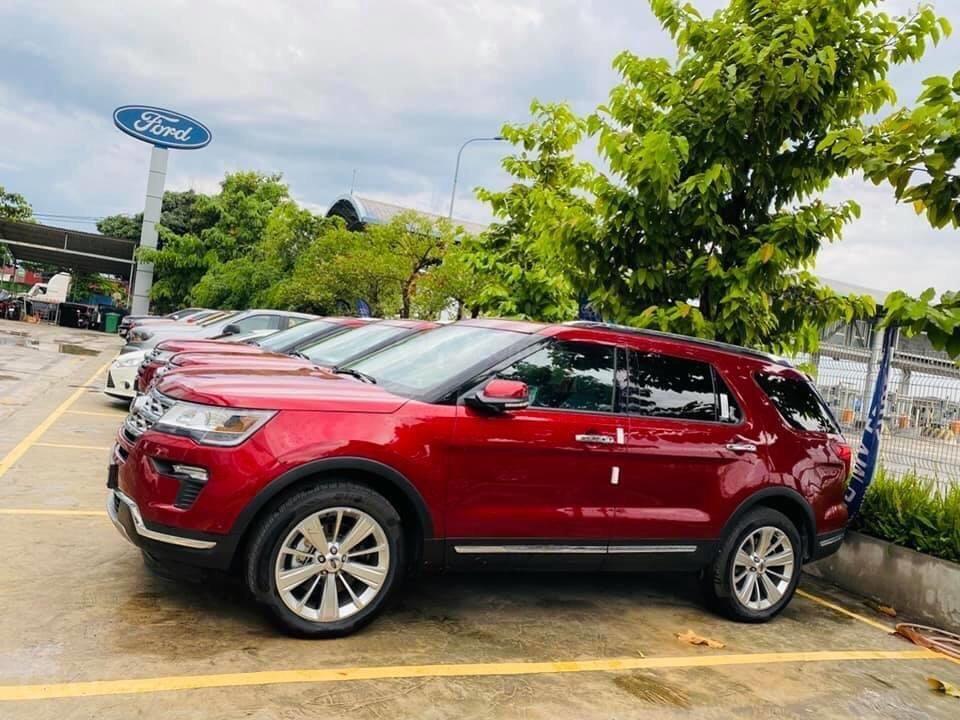 Ford Explorer giảm giá hơn 350tr (1)