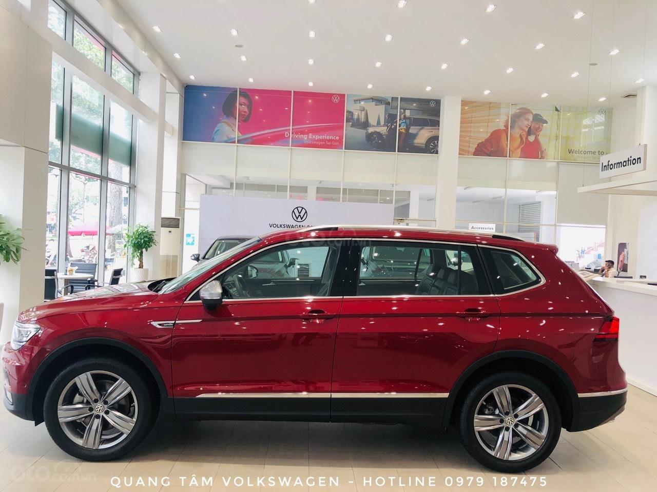 Volkswagen Tiguan Luxury đỏ ruby may mắn, ưu đãi khủng + giao ngay (3)