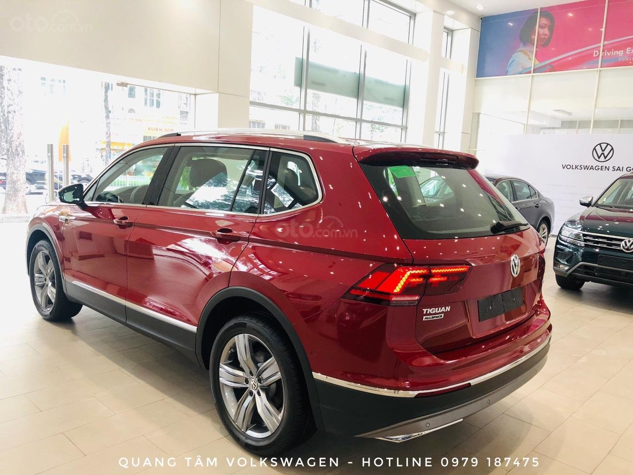Volkswagen Tiguan Luxury đỏ ruby may mắn, ưu đãi khủng + giao ngay (4)