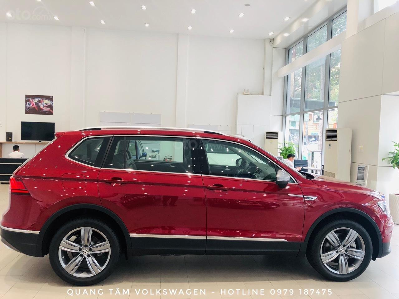 Volkswagen Tiguan Luxury đỏ ruby may mắn, ưu đãi khủng + giao ngay (7)