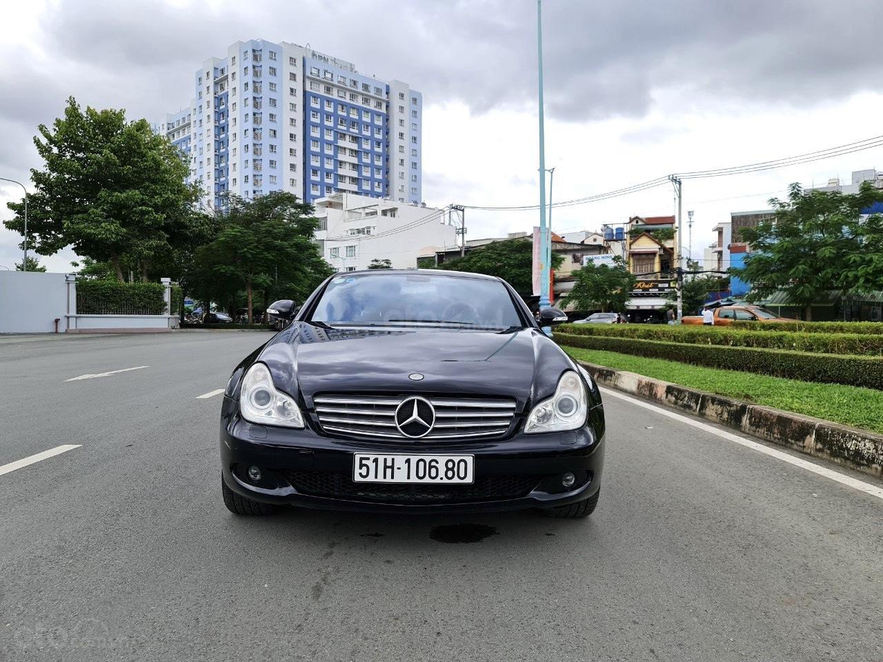 Mercedes CLS 500 nhập Đức 2007, màu đen (3)