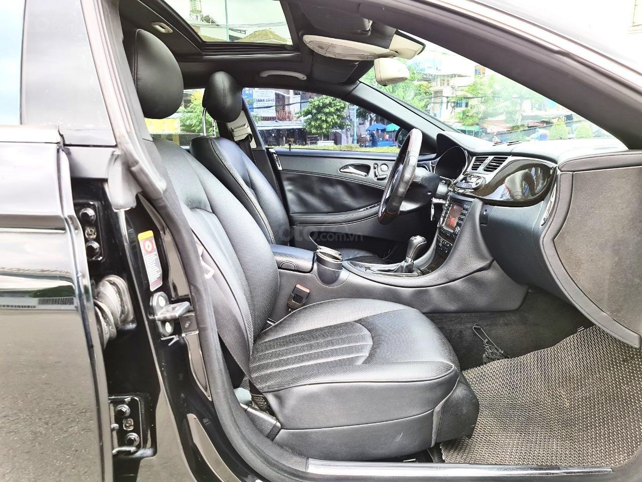 Mercedes CLS 500 nhập Đức 2007, màu đen (8)