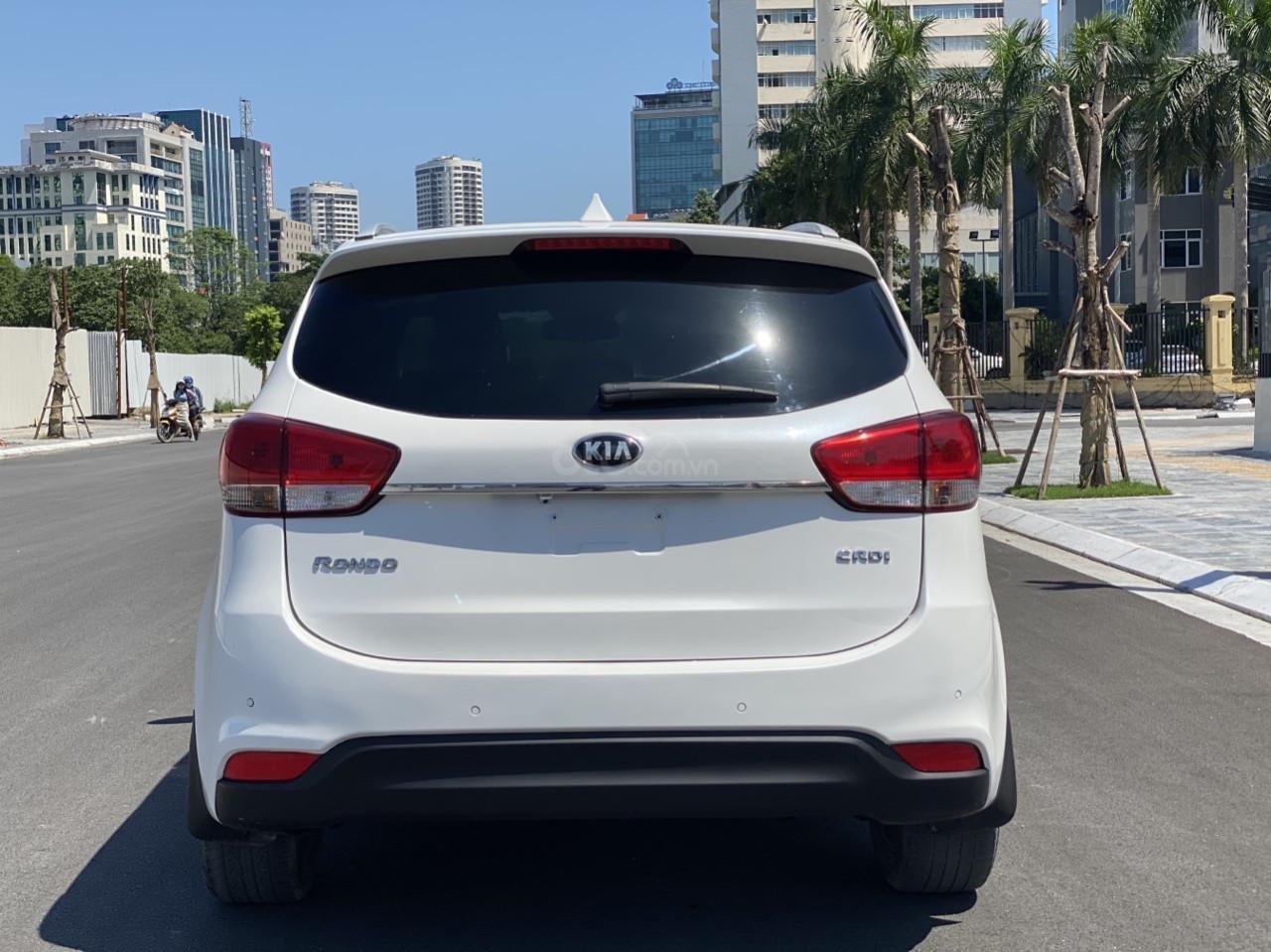 Cần bán xe  Kia Rondo SX 2016, màu trắng, nội thất đen, máy dầu (3)