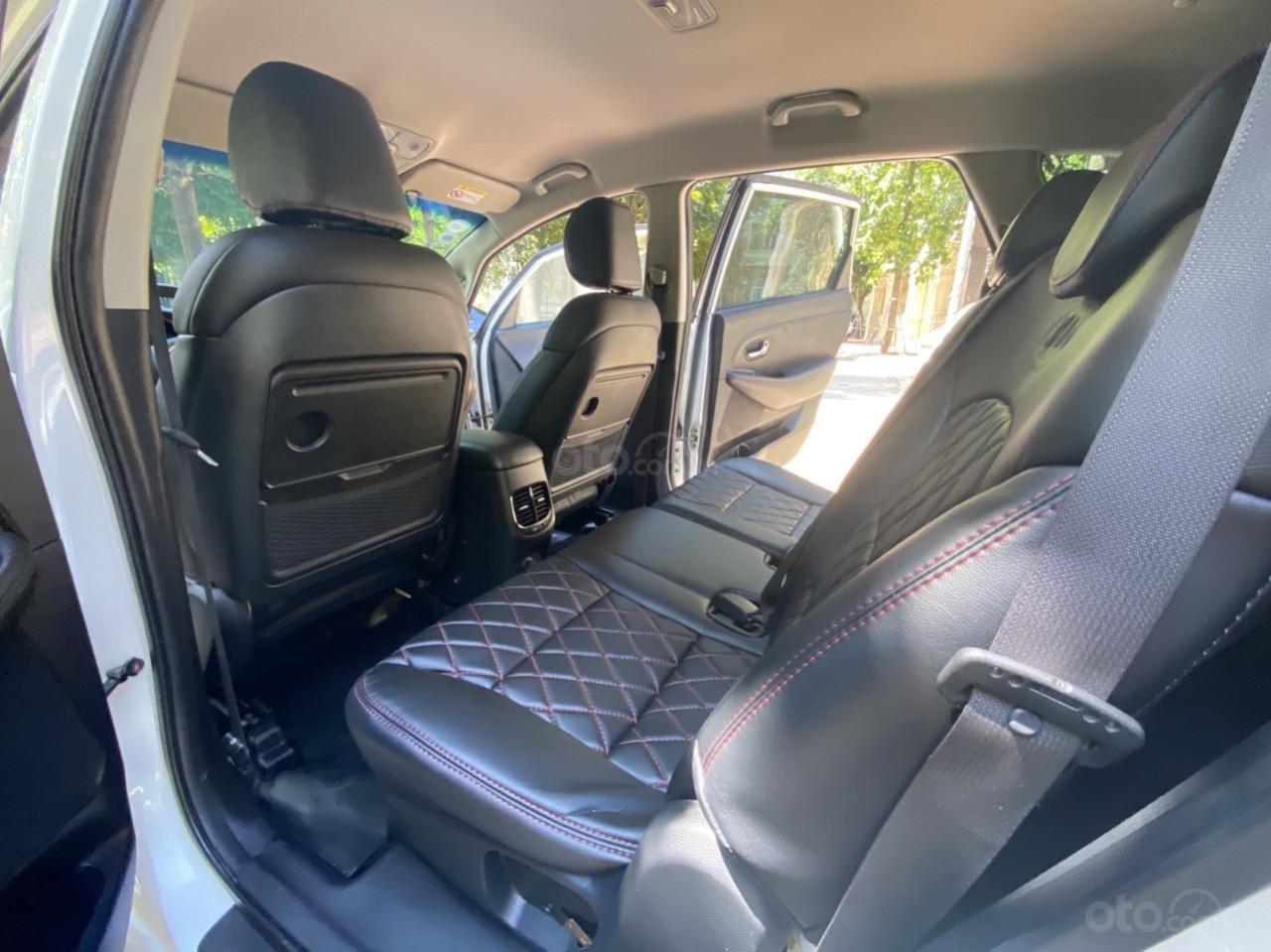 Cần bán xe  Kia Rondo SX 2016, màu trắng, nội thất đen, máy dầu (7)