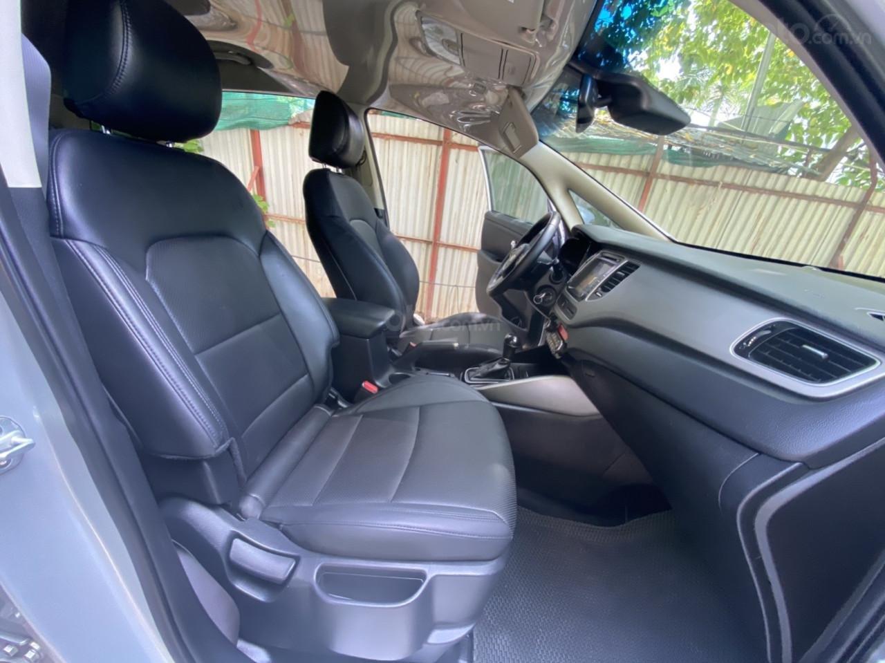Cần bán xe Kia Rondo SX 2016, màu bạc, nội thất đen, máy dầu (7)