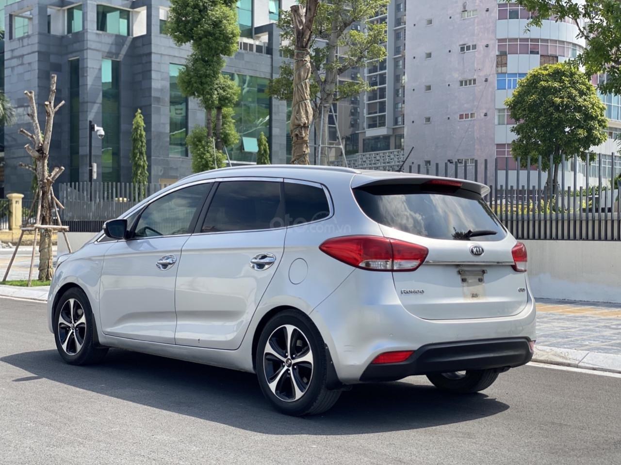 Cần bán xe Kia Rondo SX 2016, màu bạc, nội thất đen, máy dầu (3)