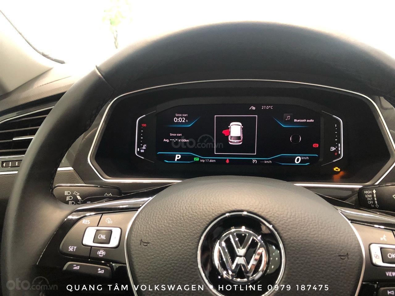 Volkswagen Tiguan Luxury đỏ ruby may mắn, ưu đãi khủng + giao ngay (11)