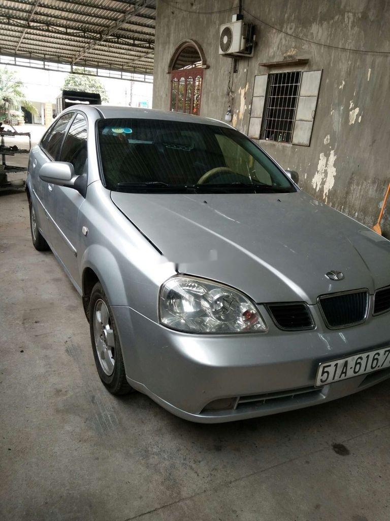 Bán ô tô Daewoo Lacetti năm sản xuất 2004, màu bạc (1)