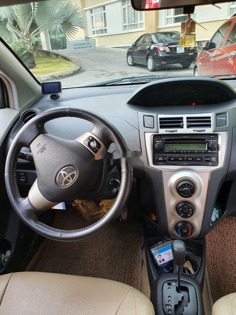 Xe Toyota Yaris sản xuất năm 2010, xe nhập, còn mới, hoạt động tốt (3)