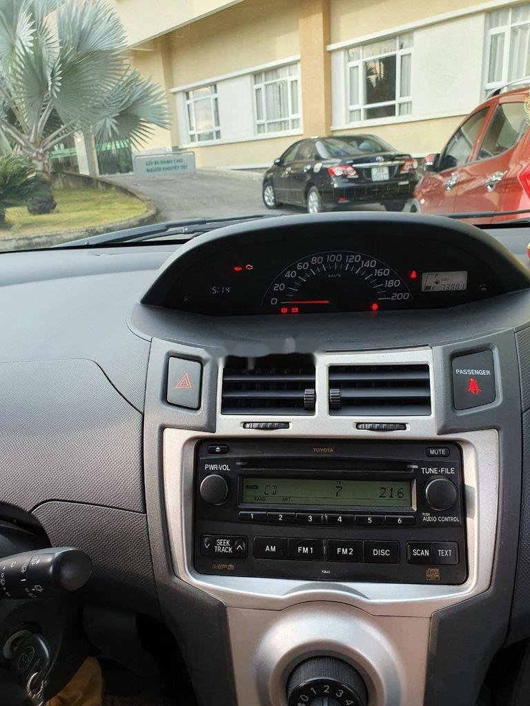 Xe Toyota Yaris sản xuất năm 2010, xe nhập, còn mới, hoạt động tốt (5)