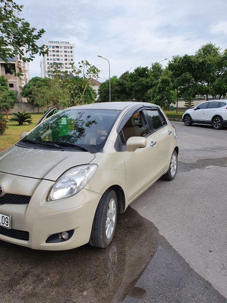 Xe Toyota Yaris sản xuất năm 2010, xe nhập, còn mới, hoạt động tốt (8)