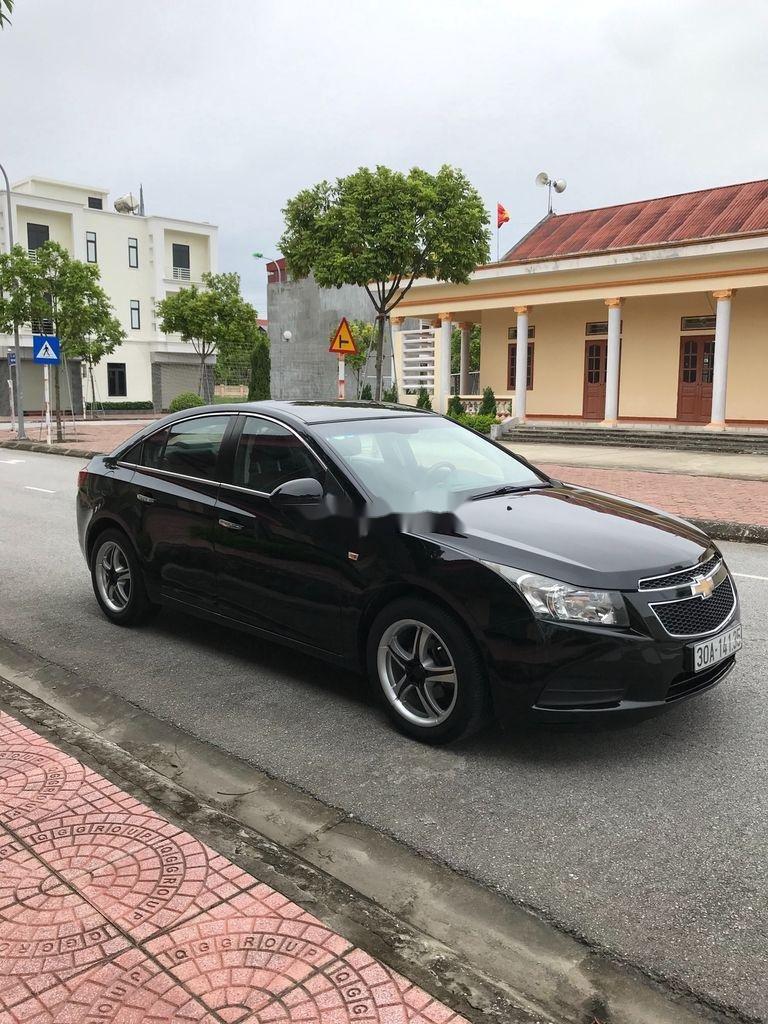 Cần bán gấp Chevrolet Cruze sản xuất 2010, màu đen, số sàn (6)