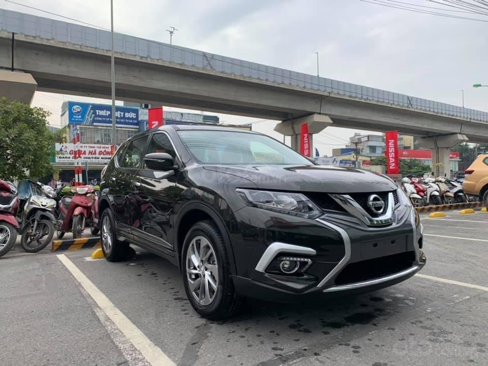 Cần bán nhanh với giá thấp chiếc xe Nissan X-Trail 2.0 màu đen, sản xuất năm 2020, giao nhanh (3)