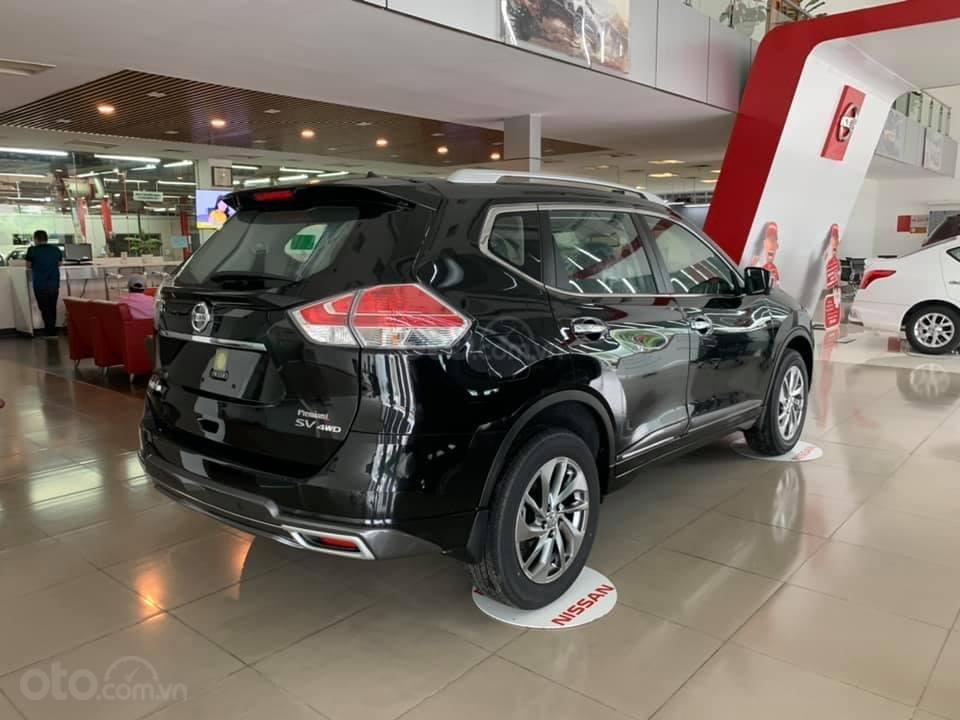 Cần bán nhanh với giá thấp chiếc xe Nissan X-Trail 2.0 màu đen, sản xuất năm 2020, giao nhanh (2)