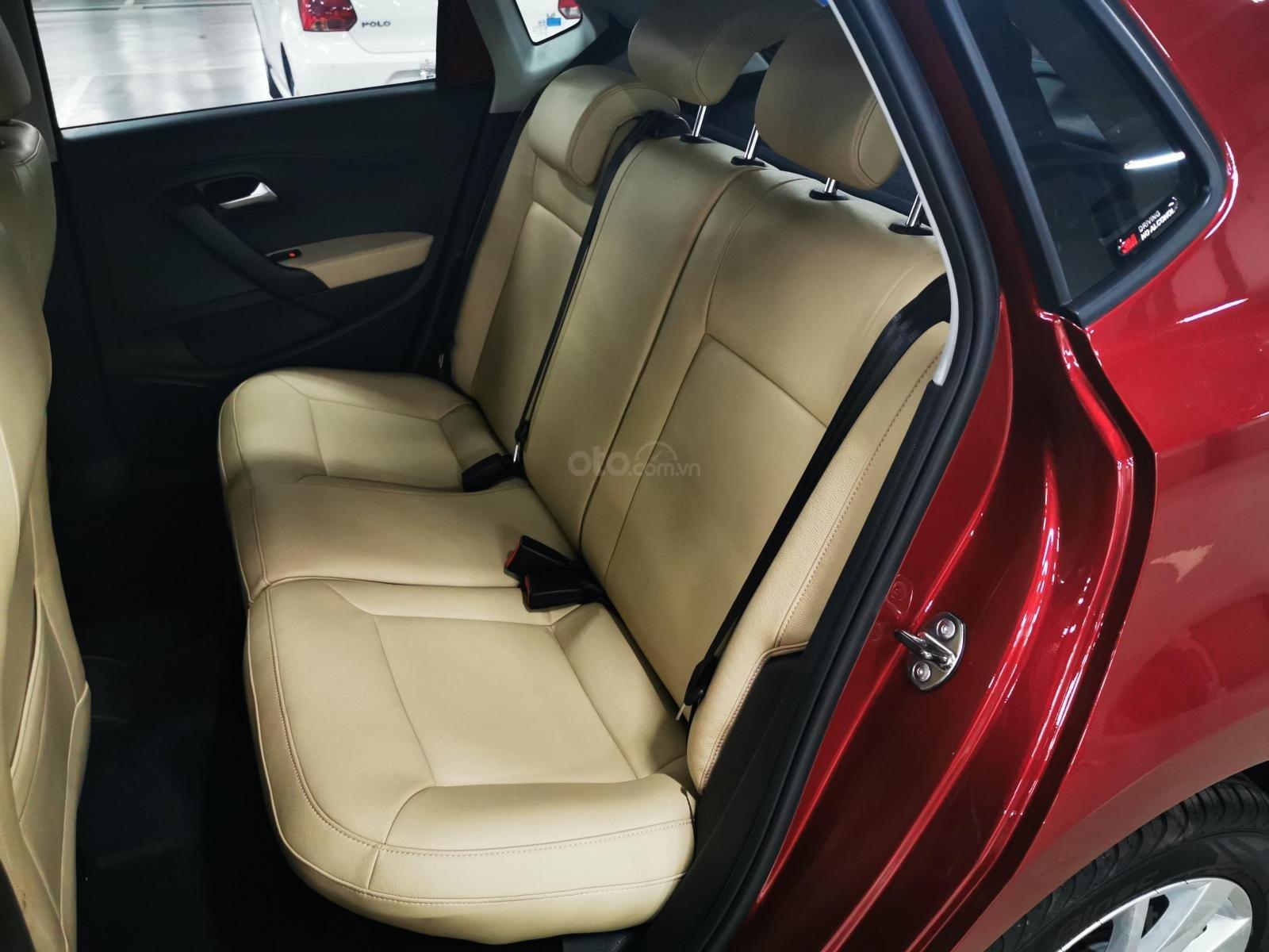 VW Polo Hatchback 2020 màu đỏ Sunset mới lạ đẹp mắt và đầy ấn tượng, ưu đãi bất ngờ. LH ngay 0903.310.412 (9)