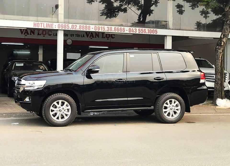 Bán xe Toyota Land Cruiser năm sản xuất 2020, màu đen, nhập khẩu   (1)