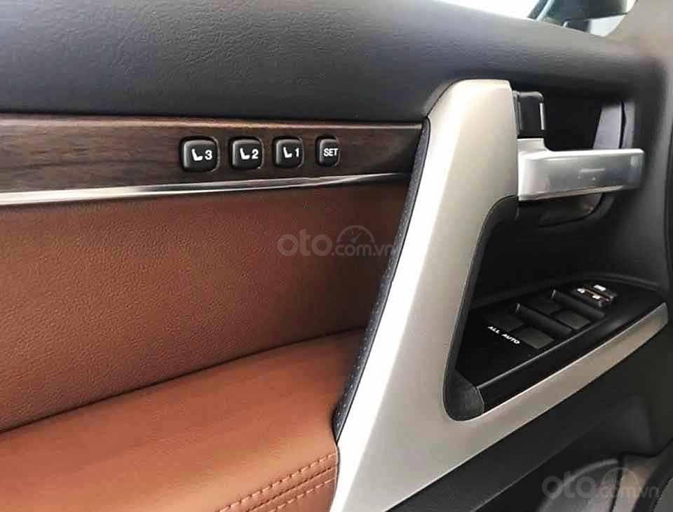 Bán xe Toyota Land Cruiser năm sản xuất 2020, màu đen, nhập khẩu   (3)